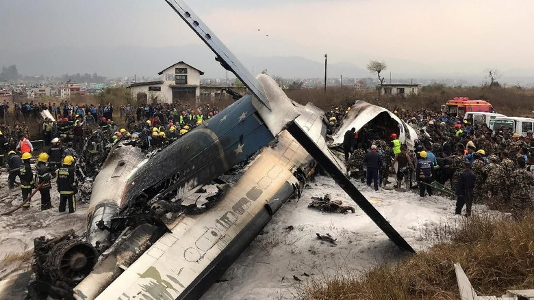 Pesawat Bangladesh Jatuh di Nepal, 40 Orang Tewas