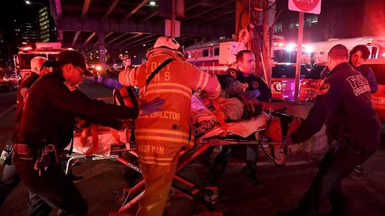 Korban Tewas Helikopter Jatuh di Sungai New York Jadi 5 Orang
