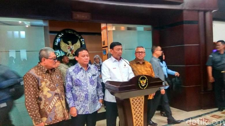 Wiranto Minta KPK Tunda Kasus Calon Kepala Daerah Diduga Korupsi