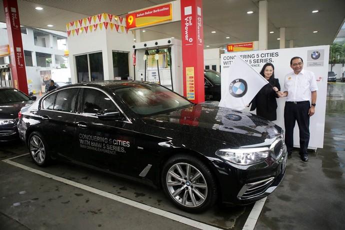 Menjelajah 5 Kota dengan BMW Seri 5