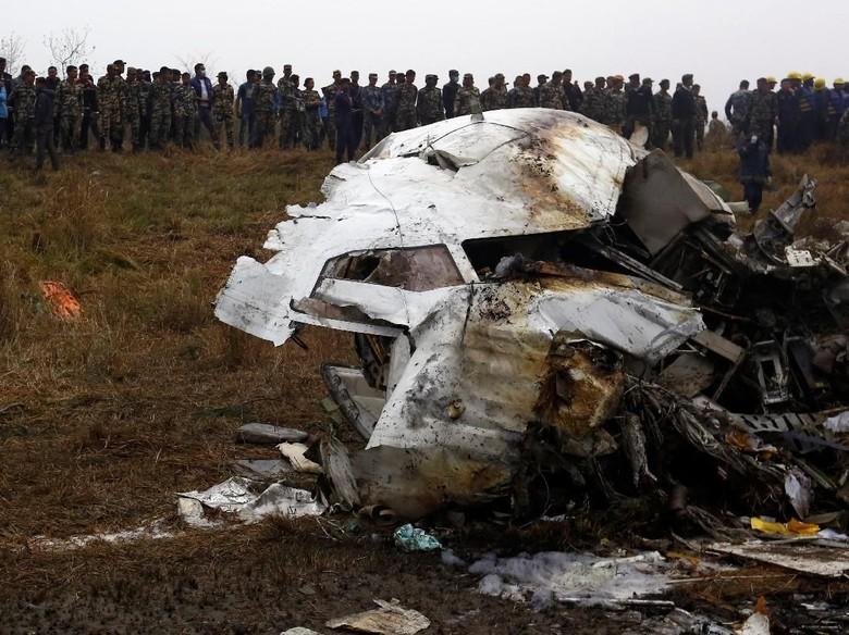 Pesawat Bangladesh Jatuh di Nepal, Korban Tewas Jadi 49 Orang