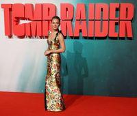 Alicia Vikander di premier film 'Tomb Raider'. Di film tersebut ia berperan sebagai Lara Croft.