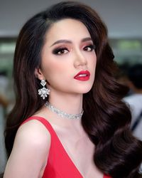 Nguyen Huong Miss International Queen 2018