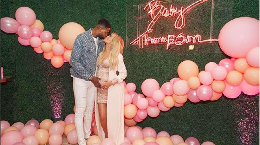 Mewah dan Serba Pink! Khloe Kardashian Rayakan Baby Shower dan Ultah Pasangan