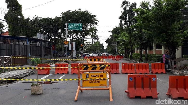Jembatan Kartini Ditutup Karena Ambles, Arus Lalin Dialihkan