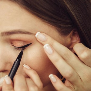 Rekomendasi 7 Eyeliner Spidol Lokal Tahan Badai yang Tidak Mudah Luntur