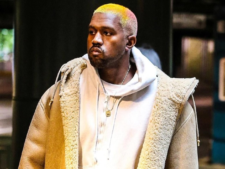Kanye West Buang Ponselnya Demi Selesaikan Album Baru