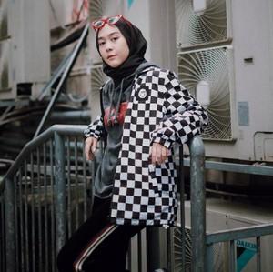 Hijab Street Style Akan Jadi Tren di 2019, Sudah Punya?