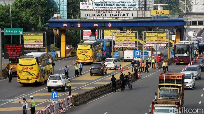 Jalan tol/Foto: Agung Pambudhy