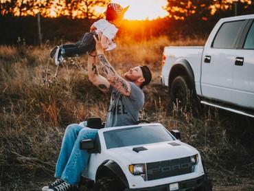 Ayah yang bernama Tanner Kaufman sengaja membuat sesi foto dengan sang anak. (Foto: Rein Photography)