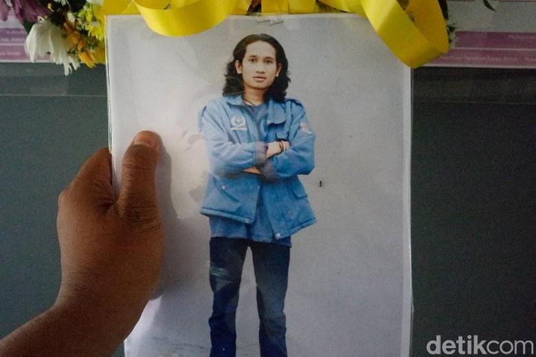 Sosok Mahasiswa Telkom yang Dibunuh dan Cerita Janji Skripsi