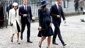 Kate Middleton dan Meghan Markle Pakai Sepatu Kembar?