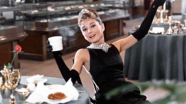 Givenchy, Le Grand Hubert yang Rancang Gaun Audrey Hepburn