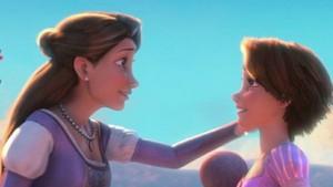 Manisnya Momen Kebersamaan Putri Disney Bersama sang Bunda