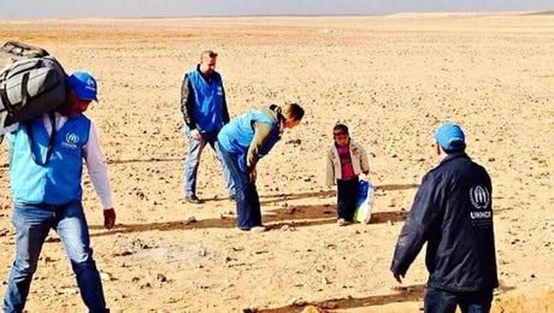 Fakta di Balik Foto Viral Bocah Suriah Sendirian di Gurun