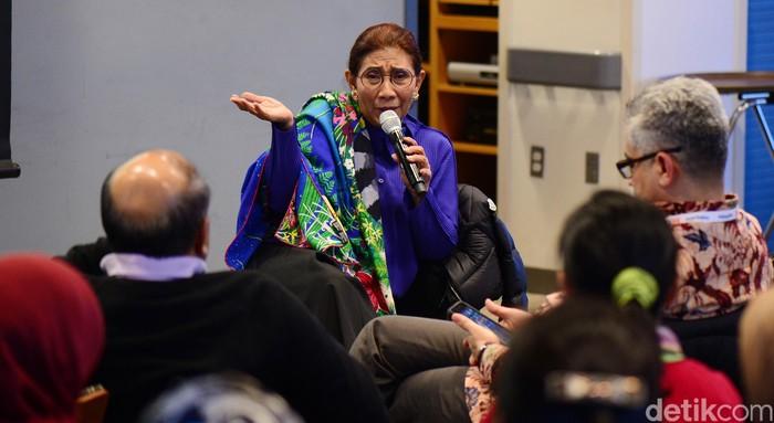 Berkunjung ke Kampus Harvard, Menteri Susi sempat memberi ceramah kepada para mahasiswa Harvard maupun mahasiswa Indonesia.