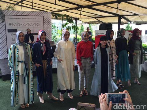 Rilis Busana Muslim, Desainer Jepang Berburu Bahan ke Tanah Abang Naik Ojek