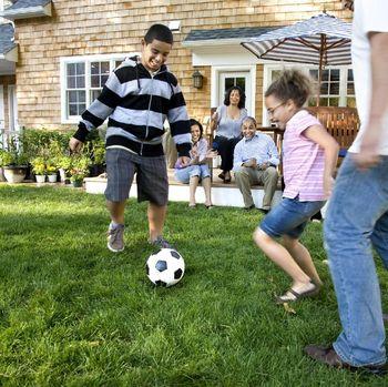 Kebiasaan orang sukses: menghabiskan waktu dengan keluarga.