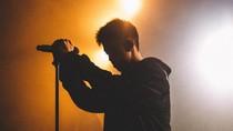 Penyanyi Ini Sukses dari Internet ke Dapur Rekaman