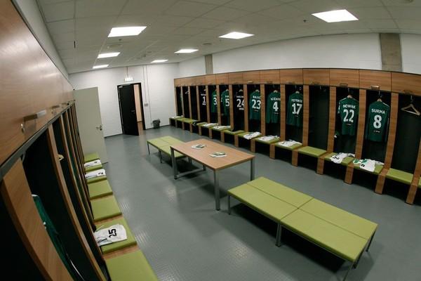 Turis akan diajak mendatangi ruang loker para pemain, aula konferensi hingga ke kursi penonton (Stadion Energa Gdansk)