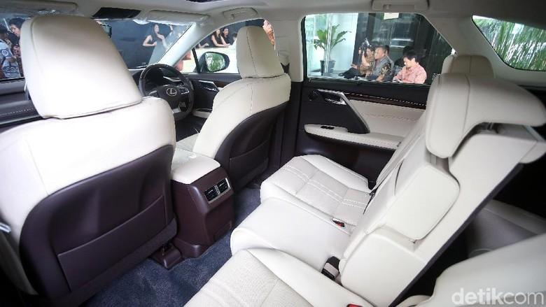 Lexus RX 350 L Foto: Rengga Sancaya