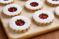 Ratu Elizabeth Cari Pastry Chef Baru dengan Kualifikasi Unik Ini