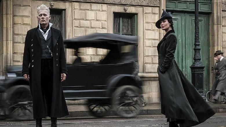 Johnny Depp Konfirmasi Kehadiran Grindelwald di Fantastic Beasts 3