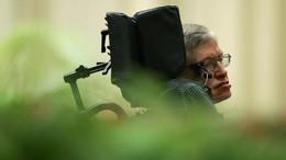 Sebelum Wafat, Stephen Hawking Peringatkan Bahaya Mobil Otonom