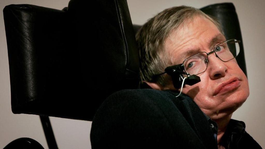 Stephen Hawking Diabadikan Jadi Uang Koin Inggris