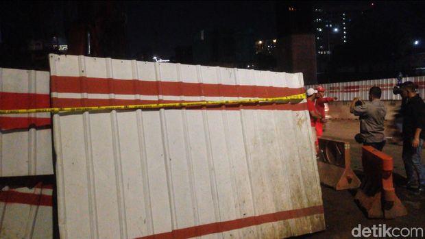 Police line dipasang di lokasi pipa gas bocor