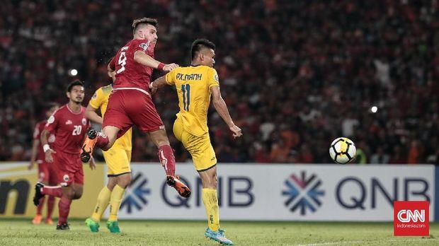 Marko Simic gagal mencetak gol dalam pertandingan melawan Song Lam.