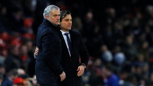 Jose Mourinho tampak akrab dengan Vincenzo Montella di pinggir lapangan ketika MU bertemu Sevilla.