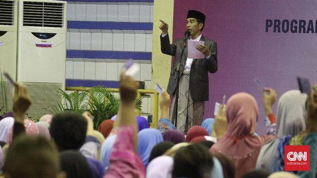 Sejak menjabat sebagai presiden, Joko Widodo sering melakukan kunjungan ke daerah.