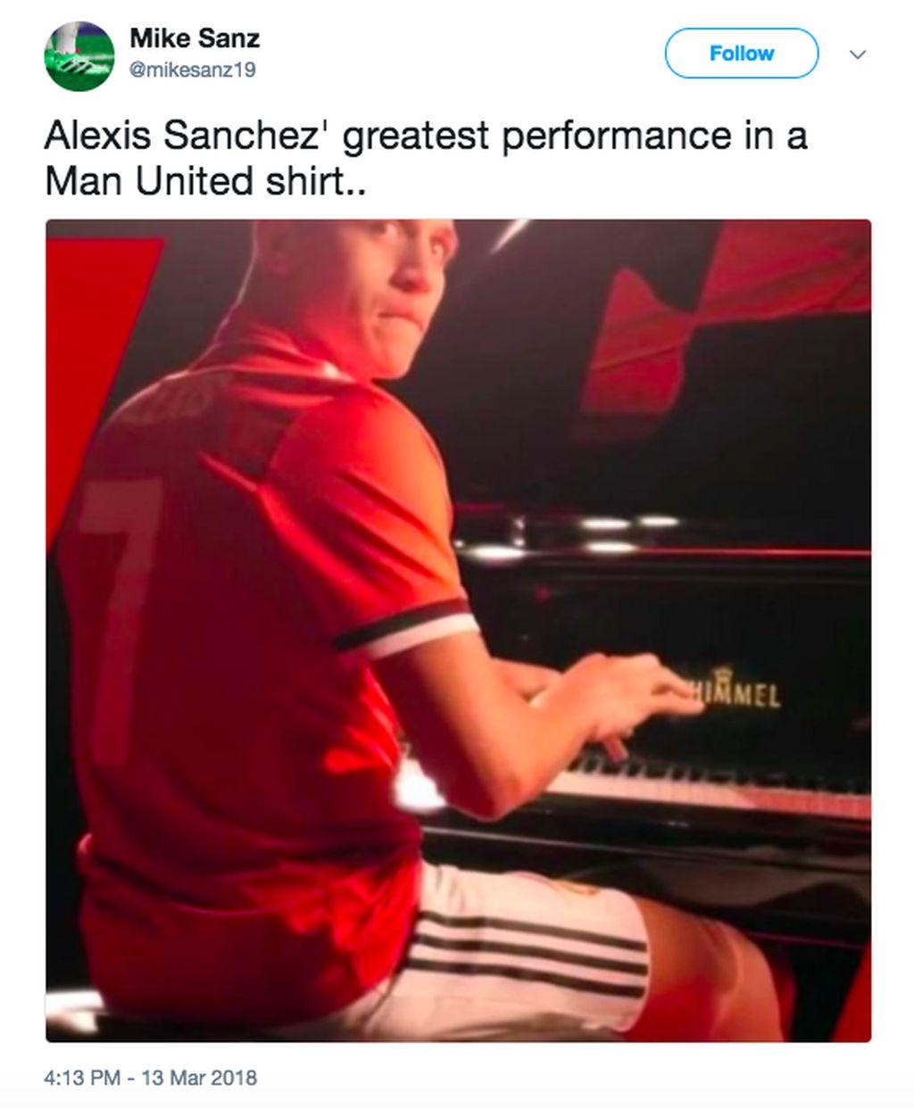Manchester United semalam disingkirkan Sevilla di Liga Champion dan Alexis tampil payah. Di sini disinggung kalau performa terbaiknya adalah saat main piano dalam video perkenalannya sebagai pemain MU. Foto: istimewa