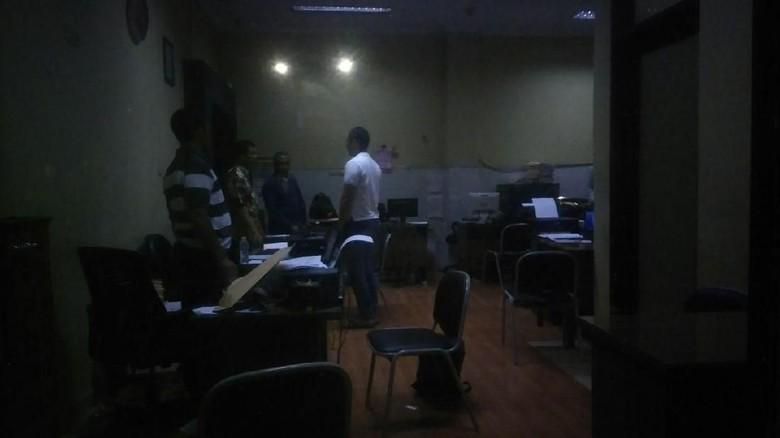 Polisi Periksa Terduga Penembak Mobil Pejabat Pemkot Surabaya