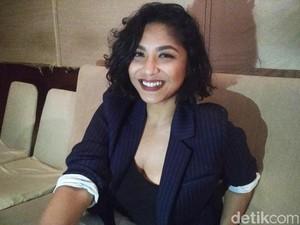 Nadine Waworuntu Tak Risih Ditanya soal Asmaranya dengan Abdurrahman Arif
