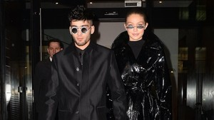 Move On dari Gigi Hadid, Zayn Malik Follow Demi Lovato