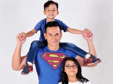 Ayah Marcelino is definitely a super daddy! (Foto: Instagram @marcelinolefrandt)