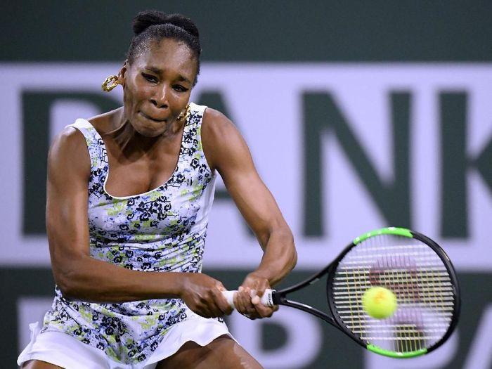 Venus Williams lolos ke perempatfinal Indian Wells 2018 (Foto: Harry How/Getty Images)