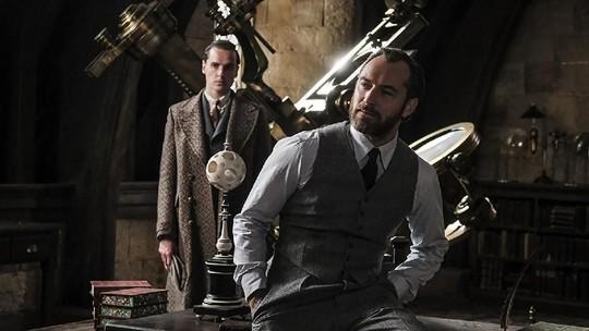 Intip Sekuel Fantastic Beasts 2, Eddie Redmayne dan Jude Law Sang Dumbledore