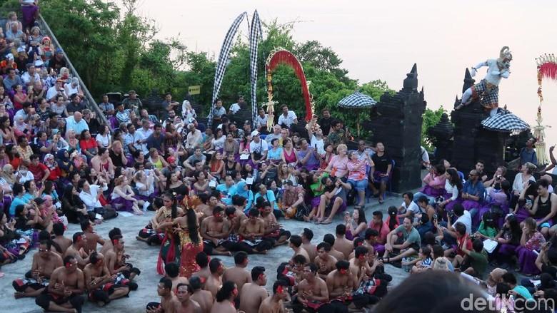 Foto: Tari Kecak di Uluwatu (Bonauli/detikTravel)