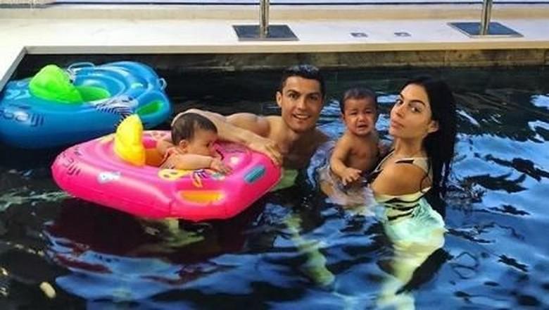 Selebriti Ini Juga Pakai Ibu Pengganti Seperti Cristiano Ronaldo/ Foto: Dok. Instagram/georginagio