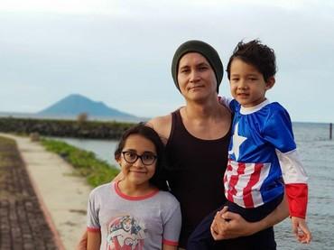 Vacation bareng ayah Marcelino. (Foto: Instagram @marcelinolefrandt)