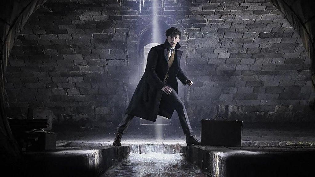 Fantastic Beasts 2 Rilis, Eddie Redmayne Minta Fans Tak Spoiler