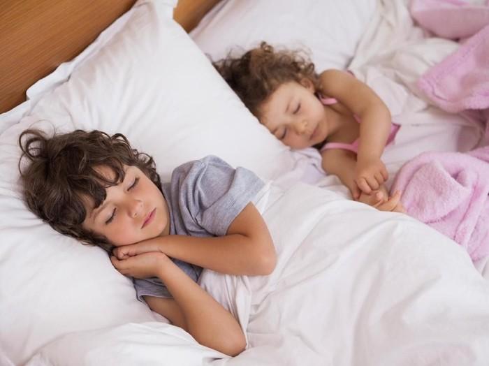 Pastikan anak mendapat waktu tidur yang cukup. (Foto: thinkstock)