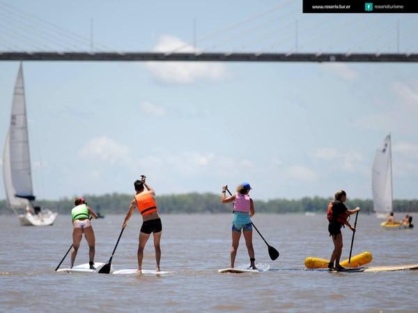 Mungkin Messi bisa bersenang-senang main kayak di sungainya (@rosarioturismo/Facebook)