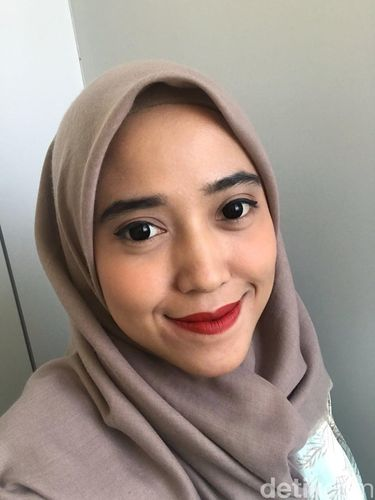 Review Lipstik Merah Fenty Beauty Rihanna di 5 Warna Kulit Wanita Indonesia