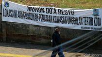 Foto: PKL Kawasan Jatinegara Masih Jualan di Trotoar