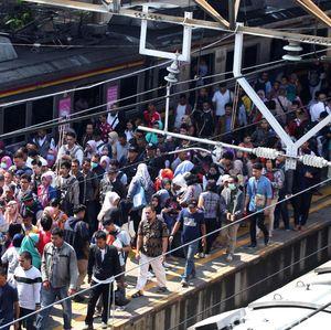 Stasiun Tanah Abang Dilempari Batu, KAI: Jangan Rusak Fasilitas!