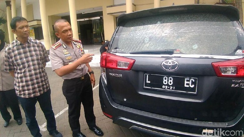 Kronologi Penembakan Brutal Mobil Kadis Perumahan Surabaya